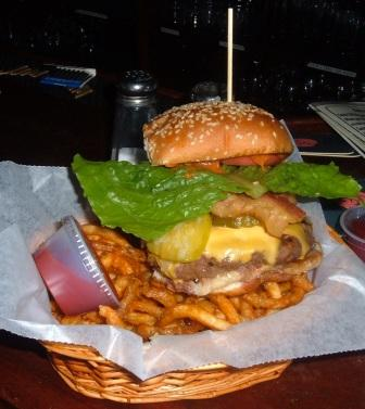 keeleys-burger-as-served-compressed.jpg